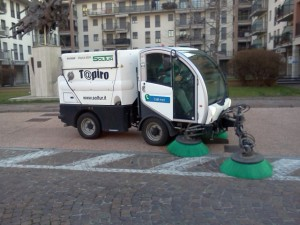 Servizi di pulizia - Pulizie Piazzali con Bucher